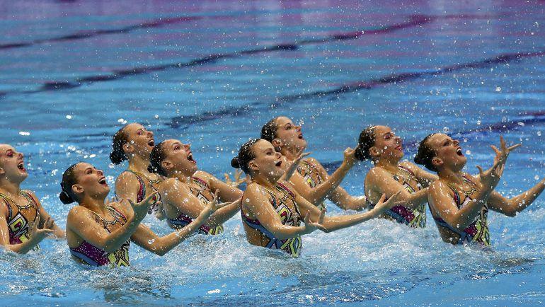 Понедельник. Лондон. Российские синхронистки завоевывают золото чемпионата Европы в технической программе. Фото Reuters