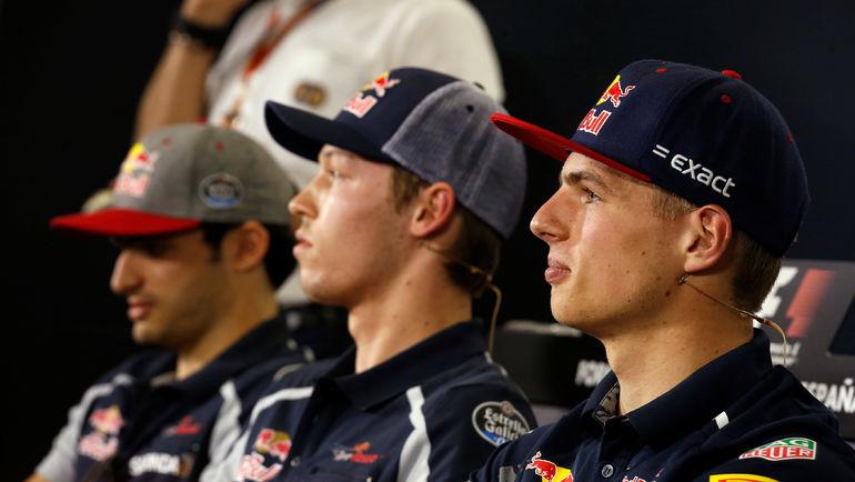 Карлос САЙНС, Даниил КВЯТ и Макс ФЕРСТАППЕН. Фото Reuters