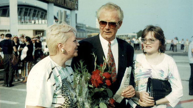 1988 год. Валерий ЛОБАНОВСКИЙ с супругой Аделаидой и дочкой.