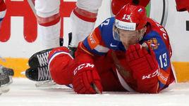 Сегодня. Москва. Россия - Швейцария - 5:1. В этой встрече Павлу ДАЦЮКУ выбили один зуб.