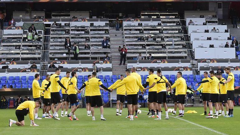 """Вчера. Базель. Тренировка """"Севильи"""". Фото AFP"""