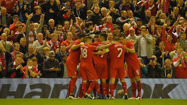 """Игроки """"Ливерпуля"""" празднуют выход в финал Лиги Европы. Фото AFP"""