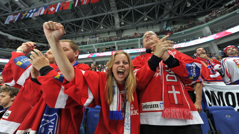 """Датчанам вряд ли удастся порадовать своих фанатов в поединке с Финляндией. Фото Александр ФЕДОРОВ, """"СЭ"""""""