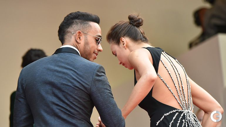 18 мая. Канны. Льюис ХЭМИЛТОН и Ирина ШЕЙК на красной ковровой дорожке кинофестиваля.