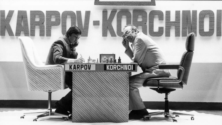 Анатолий КАРПОВ и Виктор КОРЧНОЙ.