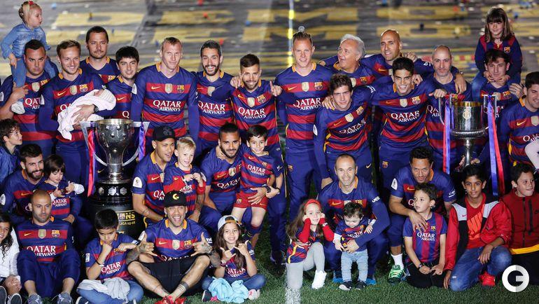 Понедельник. Барселона. Каталонцы празднуют победу в чемпионате и Кубке Испании.