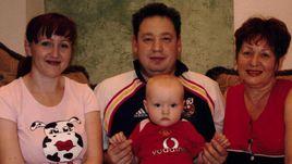 Семья Слуцких - Ирина, супруга Леонида, его мама Людмила Николаевна и сын Дмитрий.