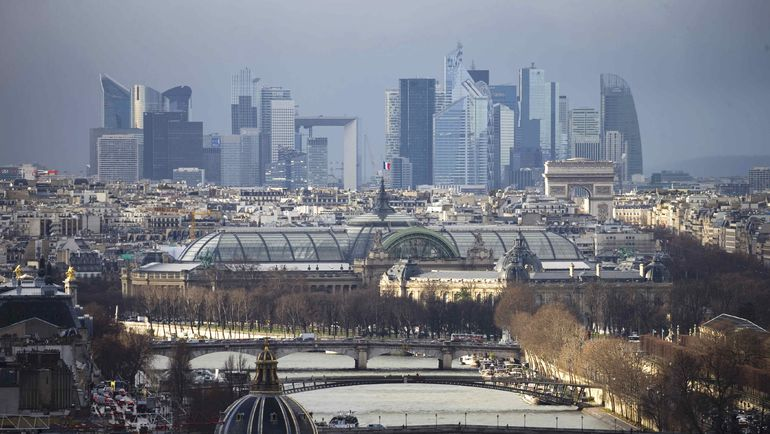 Вид на центр Парижа и деловой квартал французской столицы. Фото Reuters