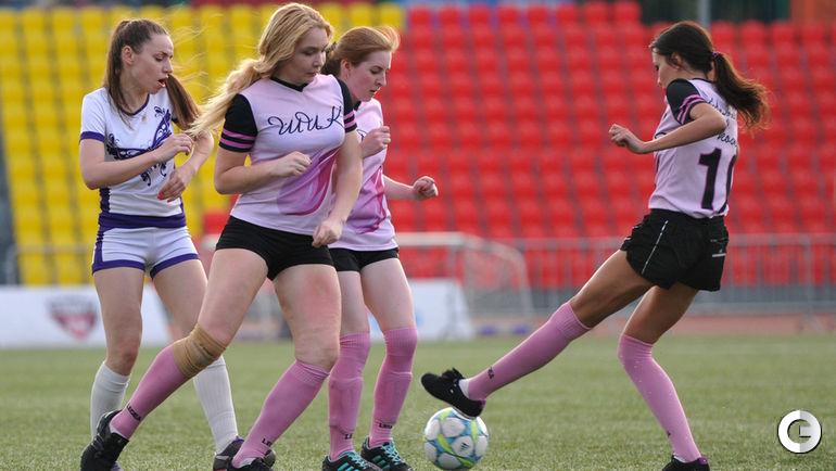 Весенне-летний Кубок Москвы по футболу среди женских любительских команд .