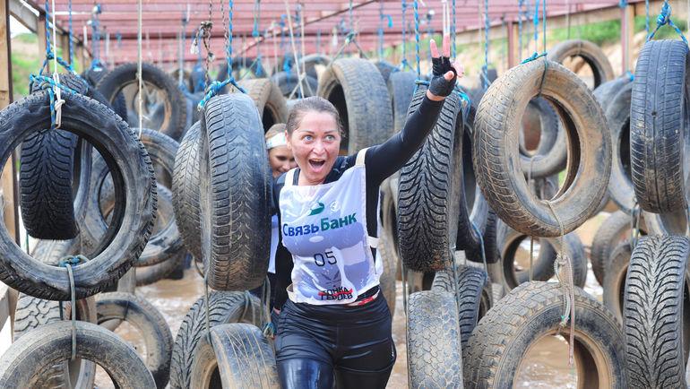 На десятикилометровой дистанции с препятствиями серьезнейшему физическому испытанию подвергли себя более тысячи человек.