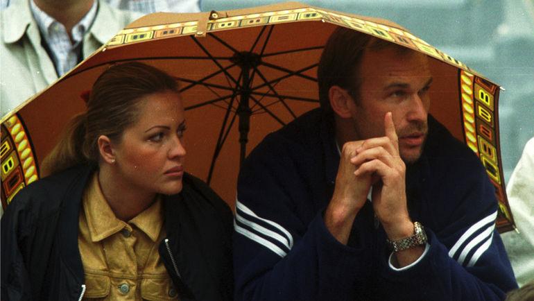 Андрей ЧЕСНОКОВ с бывшей женой Аллой на трибуне Roland Garros. Фото Андрей ГОЛОВАНОВ