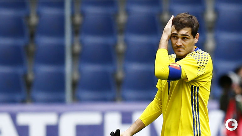 Сегодня. Зальцбург. Испания - Корея - 6:1. Вратарь сборной Испании Икер КАСИЛЬЯС был заменен на 74 минуте при счете - 0:0.