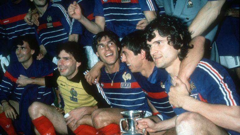 1984 год. Финал. Франция - Испания - 2:0. Игроки сборной Франции. Фото AFP