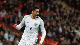 2 июня. Лондон. Англия - Португалия - 1:0. Крис СМОЛЛИНГ стал автором единственного гола.