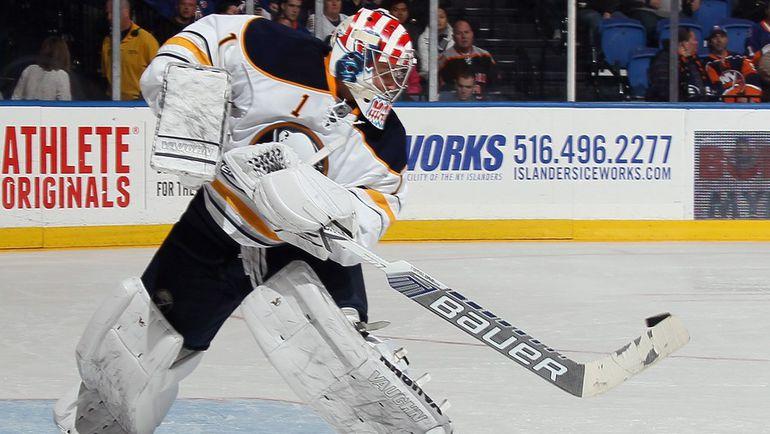 Андрей МАКАРОВ в дебютной игре в НХЛ. Фото AFP