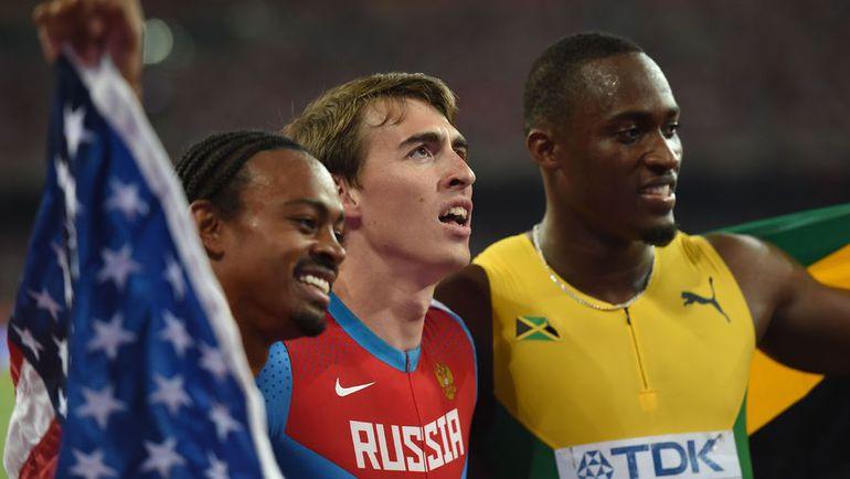 Чемпион мира-2015 Сергей ШУБЕНКОВ (в центре), серебряный призер Хансле ПАРЧМЕНТ (справа) и бронзовый Эриес МЕРРИТТ. Фото AFP
