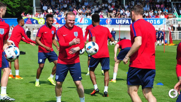 Сегодня. Шантийи. Тренировка сборной Англии. Уэйн РУНИ.