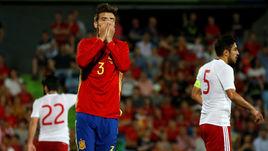 Вчера. Хетафе. Испания - Грузия - 0:1. Жерар ПИКЕ не может поверить в результат матча.
