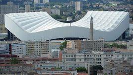 """Марсель. Знаменитый стадион """"Велодром"""", где в субботу Россия сыграет с Англией."""
