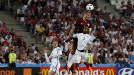 Сегодня. Марсель. Англия - Россия - 1:1. 90+2-я минута. Василий БЕРЕЗУЦКИЙ проводит ответный гол.