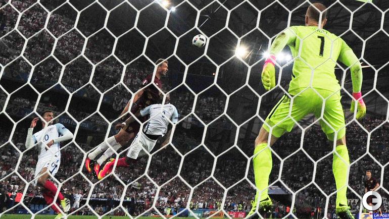 Сегодня. Марсель. Англия – Россия – 1:1. 90+2-я минута. Гол Василия БЕРЕЗУЦКОГО.