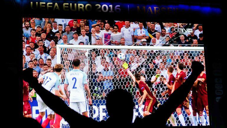 Суббота. Марсель. Англия - Россия - 1:1. Английский фанат ликует после гола любимой команды. Фото AFP