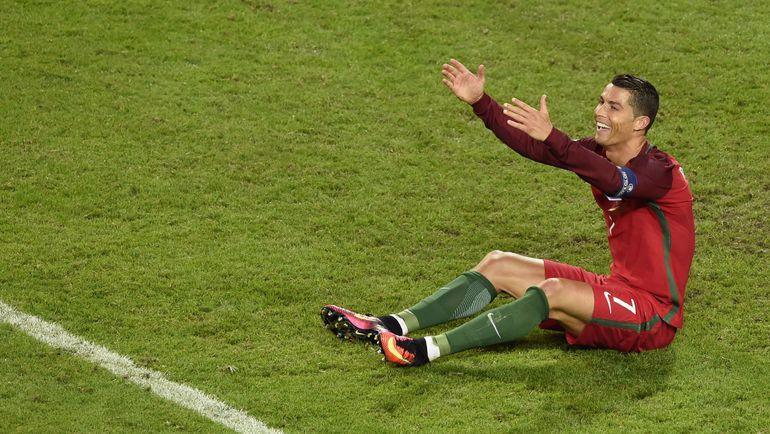 Лидер португальцев КРИШТИАНУ РОНАЛДУ догнал Луиша Фигу по количеству матчей за сборную. Фото AFP