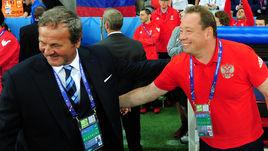 Сегодня. Лилль. Россия - Словакия - 1:2. Ян КОЗАК (слева) и Леонид СЛУЦКИЙ перед матчем.