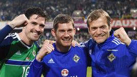 Кайл ЛАФФЕРТИ, Майкл МАГОВЕРН и Рой КЭРРОЛЛ празднуют выход на Euro-2016.
