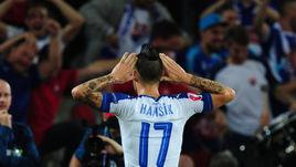 Вчера. Лилль. Россия - Словакия - 1:2. 45-я минута. Радость Марека ХАМШИКА.