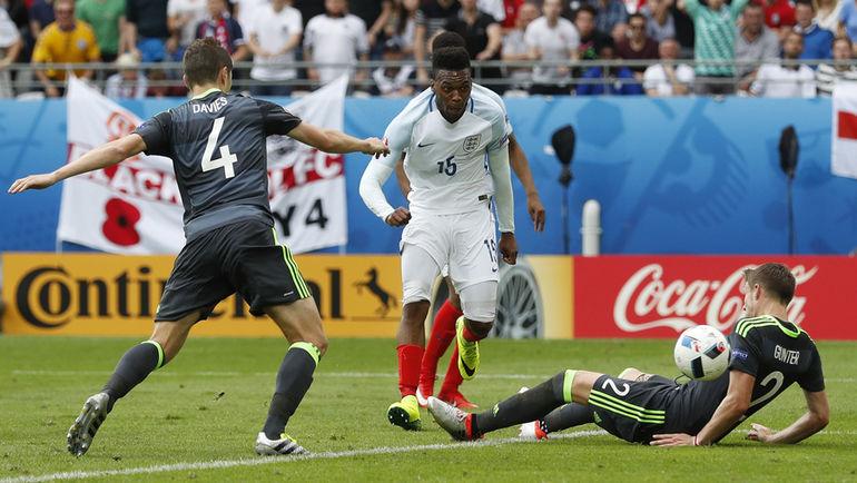 90+2-я минута. Дэниэл СТАРРИДЖ проводит победный гол. Фото Reuters