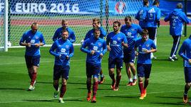 Сегодня. Круасси-сюр-Сен. Тренировка сборной России.