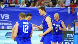 Сегодня. Калининград. Россия - Польша - 3:0. Хозяева радуются победе.