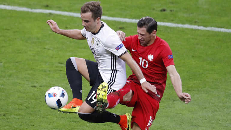 Марио ГЕТЦЕ (№19) и Германия способны сыграть за себя и Россию. Фото Reuters