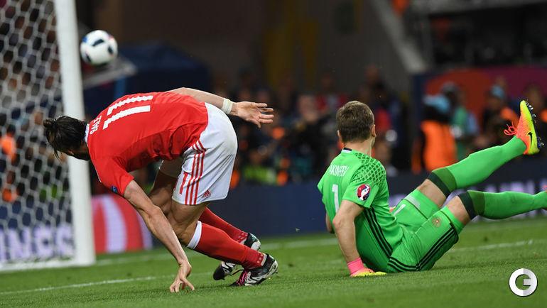 Сегодня. Тулуза. Россия - Уэльс - 0:3. 67-я минута. Гарет БЭЙЛ забивает третий гол в ворота Игоря АКИНФЕЕВА.