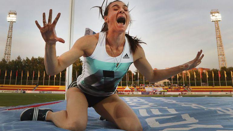 Вторник. Чебоксары. Елена Исинбаева после победного прыжка.