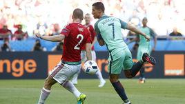 Среда. Лион. Венгрия - Португалия - 3:3. 50-я минута. Гол пяткой КРИШТИАНУ РОНАЛДУ.