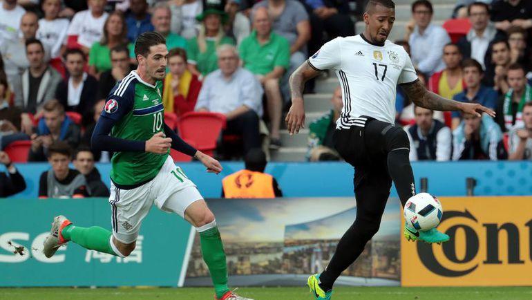 Вторник. Париж. Северная Ирландия - Германия - 0:1.Кевин-Принс БОАТЕНГ (справа). Фото AFP