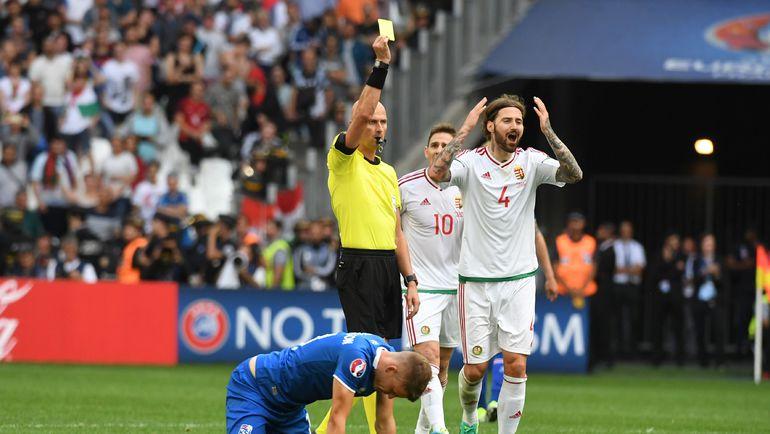 Сергей КАРАСЕВ в матче сборных Венгрии и Исландии. Фото AFP