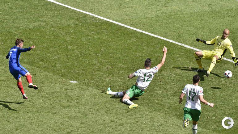 Сегодня. Лион. Франция - Ирландия - 2:1. Антуан ГРИЗМАНН забивает победный гол.