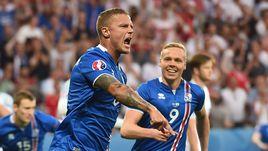 Понедельник. Ницца. Англия – Исландия – 1:2. 6-я минута. Защитник исландцев Рагнар СИГУРДССОН (№6) сравнял счет в матче.