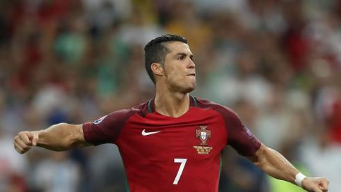 Португалия в серии пенальти вырвала победу у Польши в четвертьфинале Euro-2016
