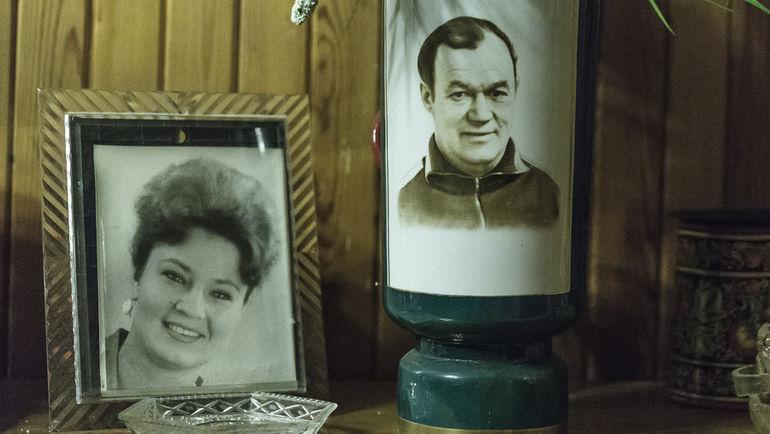 """Вчера и сегодня Елены Бобровой. Фото Юрий ГОЛЫШАК, """"СЭ"""""""
