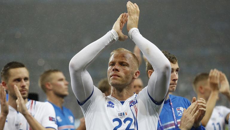 Воскресенье. Сен-Дени. Франция - Исландия - 5:2. Нападающий сборной Исландии Эйдур ГУДЬОНСЕН. Фото Reuters