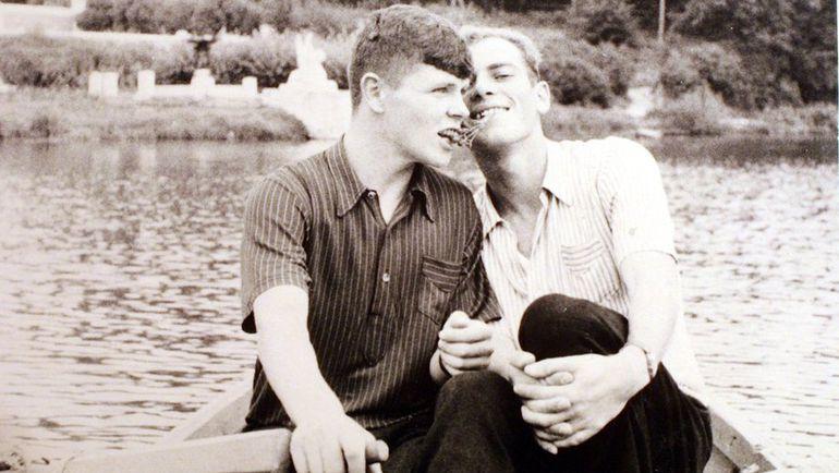 1952 год. Анатолий ИСАЕВ (слева) и Валентин БУБУКИН и зачислены в ВВС. Фото из личного архива Валентина Бубукина