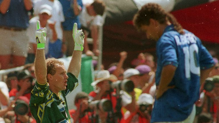 """17 июля 1994 года. Бразилия - Италия - 0:0 (пен. - 3:2). ТАФФАРЕЛ и Роберто БАДЖО. Фото """"СЭ"""""""
