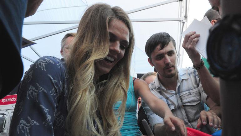 """Юлия ЕФИМОВА на встрече с поклонниками. Фото Никита УСПЕНСКИЙ, """"СЭ"""""""