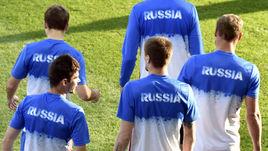 Какого наставника получат игроки сборной России?