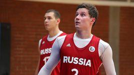 Михаил КУЛАГИН (на переднем плане) стал одним из самых ярких игроков Открытого лагеря РФБ, обозначив претензии на попадание в окончательную заявку основной сборной.