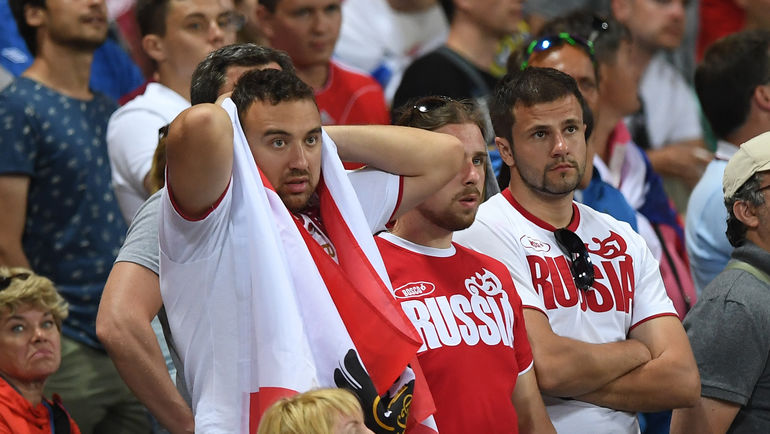 """Многие болельщики винят в провале сборной на Euro не только футболистов, но и лимит на легионеров. Фото Александр ФЕДОРОВ, """"СЭ"""""""